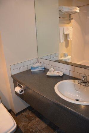 Village Green Hotel: Salle de bains