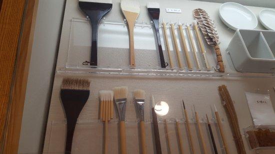 Narukawa Art Museum : pinceles en exposicon