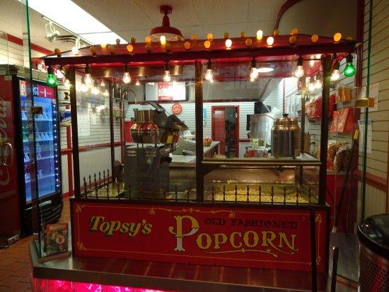 Photo of Fast Food Restaurant Topsy's at 2450 Grand Blvd, Kansas City, MO 64108, United States