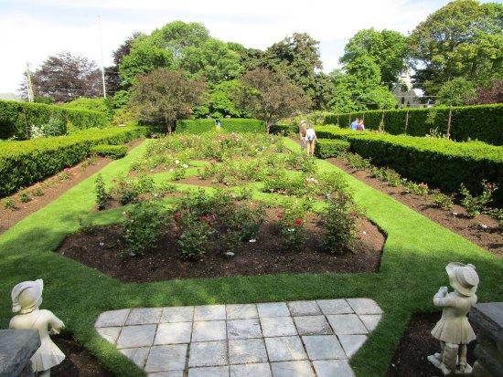 The Japanese Garden. - Picture of Fuller Gardens, North Hampton ...