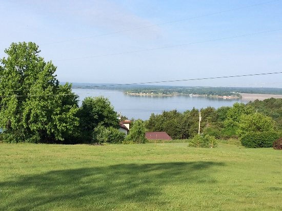 Hermitage, MO: View of Lake from backyard