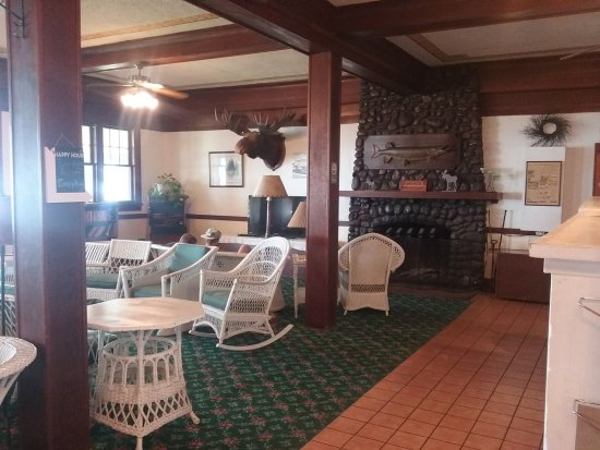 Ruttger's Birchmont Lodge: Lobby and lounge area