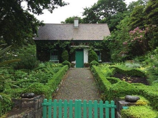glenveagh castle little garden house - Little Garden