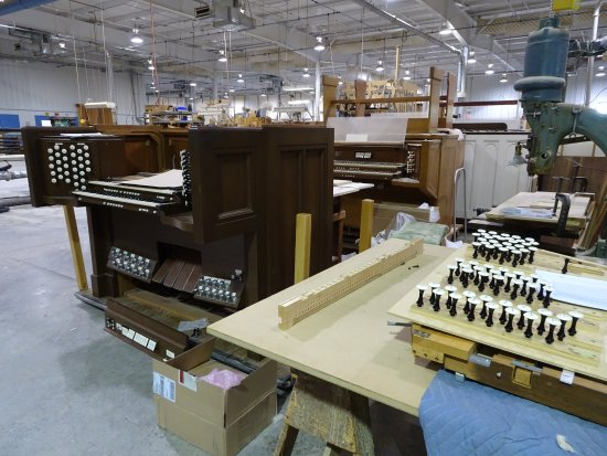 Lawrence, KS: pipe organ repair