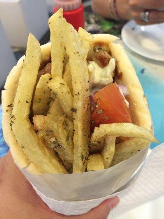 Grecia, Cafe y Suvlaki: Gyro de cerdo, espectacular. Buen precio, pequeño local pero suficiente para disfrutar. El preci