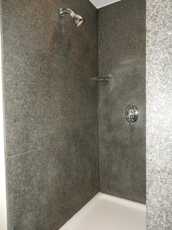 Guesthouse Bonifacius: Junior Suite shower