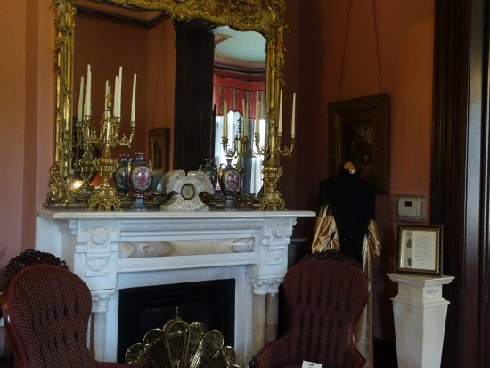 Independence, MO: fireplace in women's parlor