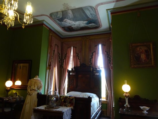 master bedroom - Picture of Vaile Mansion, Independence ...