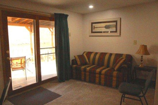 Lilleys' Landing Resort & Marina: Unit # 12 has a sleeper couch.