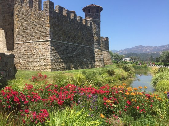 Castello di Amorosa: photo0.jpg