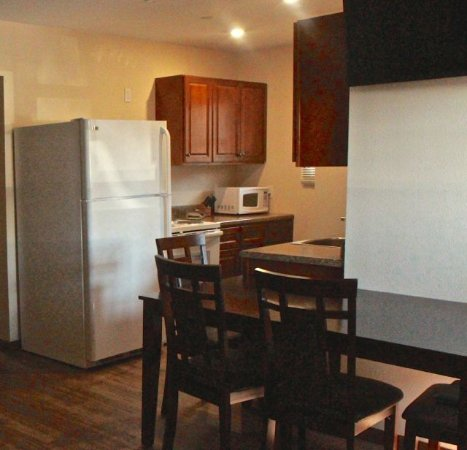 Lilleys' Landing Resort & Marina: Units are equipped with pots, pans, dishes and even dish soap.