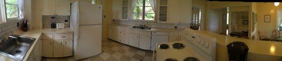 Waimea Plantation Cottages: Managers Kitchen