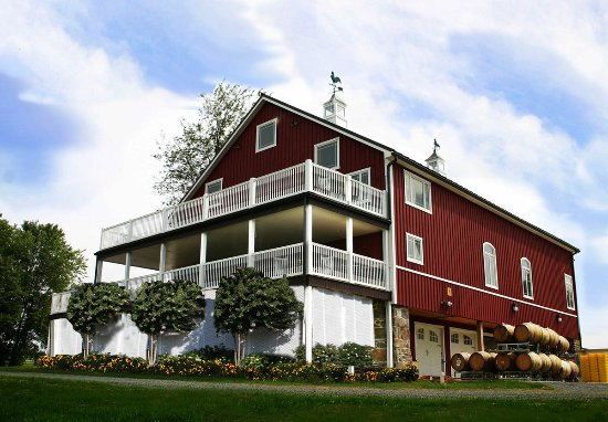 Purcellville, VA: 1870 Amish Restored Sunset Hills Tasting Barn