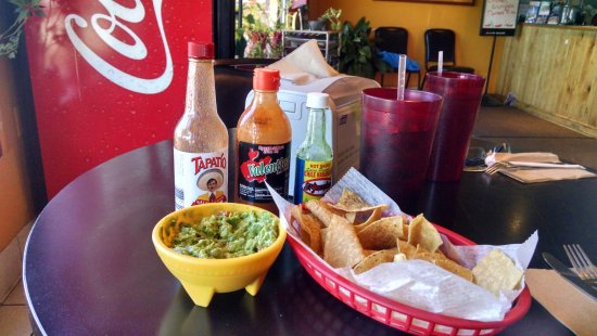 Jose's Authentic Mexican Restaurant : Simple place with good service