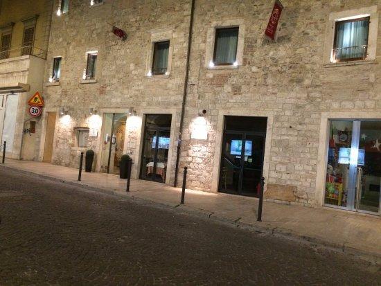 Hotel Palazzo dei Mercanti: veduta dell'ingresso