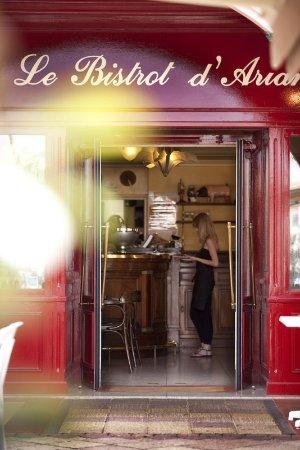 LE BISTROT D ARIANE : entrée du restaurant