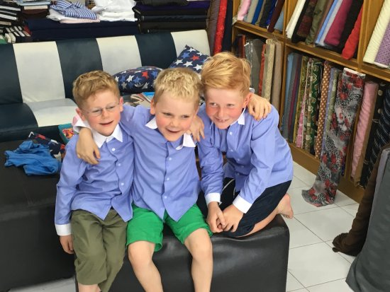 บ่อผุด, ไทย: Kids wear