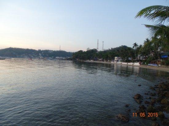 Angelyn's Dive Resort: الفندق من بعيد