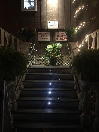 Islanders Restaurant and Bar