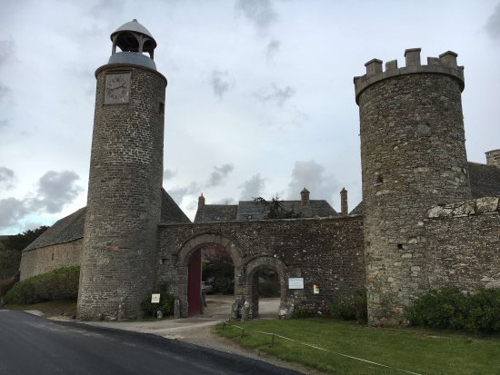 Flamanville, França: Wonderful stay at a wonderful chateau.