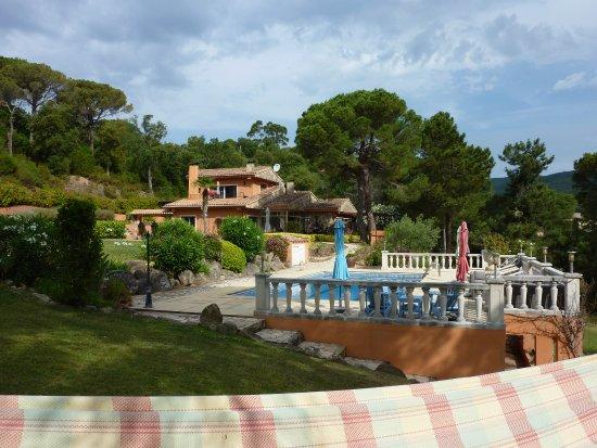 Watapana B&B: Locatie woonhuis en zwembad.