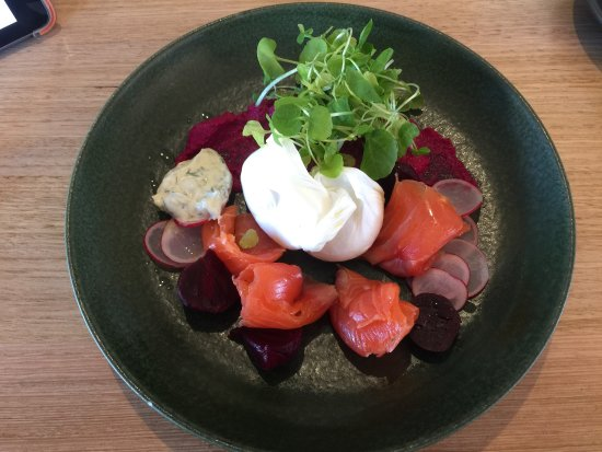 Beaumaris, Austrália: House cured salmon - yum!
