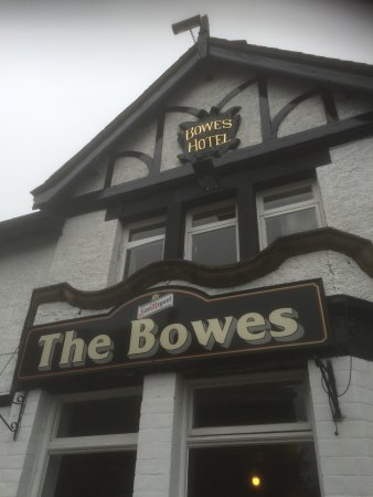 The Bowes Hotel & Bar