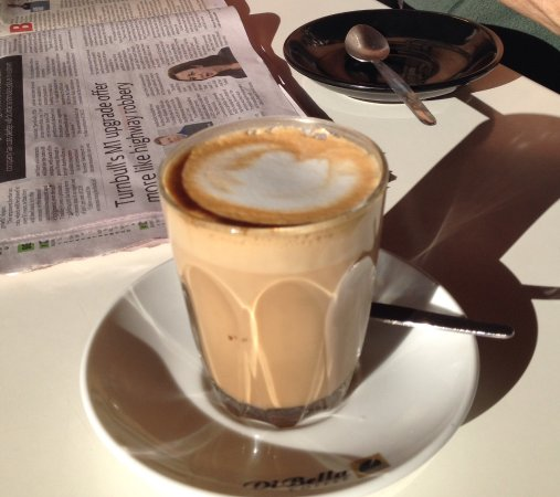 Bargara, Austrália: Enjoy a latte in the sun