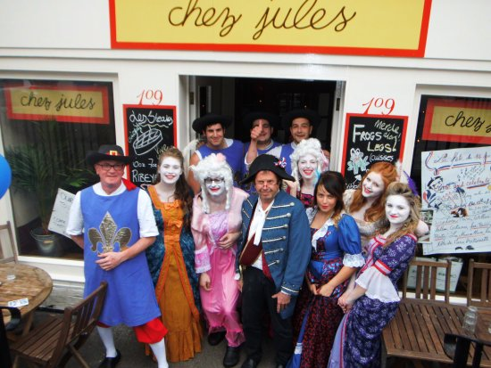 Chez Jules: the 14th of July