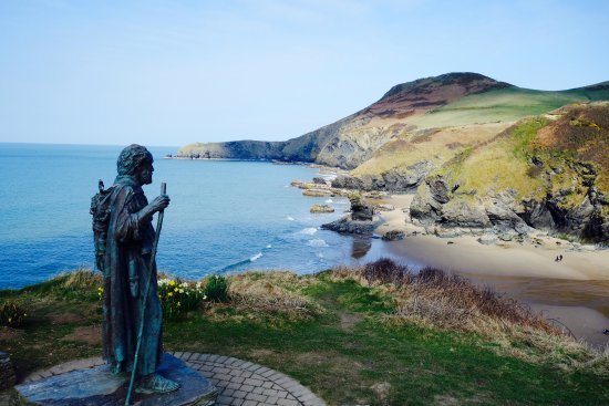 Ceredigion, UK: Overlooking the lovely beach at Tresaith