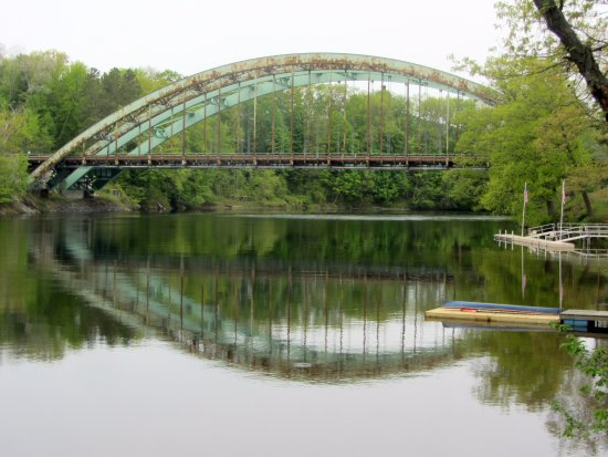 Riverside Hotel, an Ascend Hotel Collection Member: The old bridge to VT, now a foot bridge