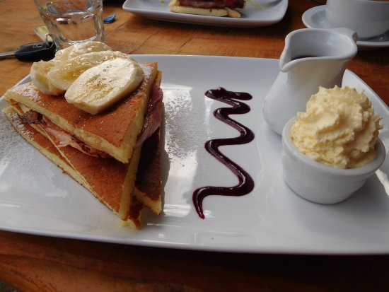 Sandfly Cafe: yummy banana bacon and maple syrup - DIVINE