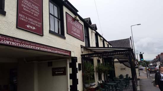 Meaning in English - Picture of The Penrhos Arms