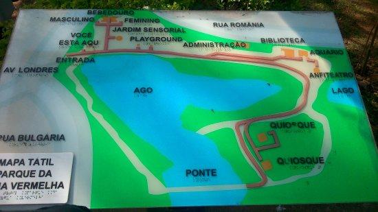 Parque Natural Municipal da Água Vermelha João Câncio Pereira: Mapa tátil, logo na entrada principal do Parque.