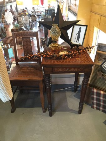 Morris, IL: Antique Handmade Chair and Table set