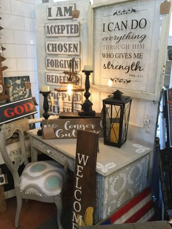 Morris, IL: Handmade Signs & Vinyl Quote Windows