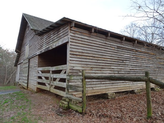 Duluth, GA: farm building