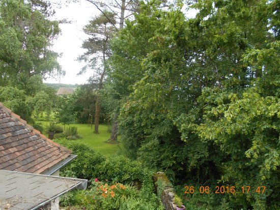 Celon, Francia: View from front of room