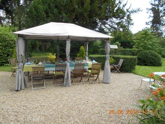 Celon, فرنسا: Garden area set up for eveing meal, fantastic evening.