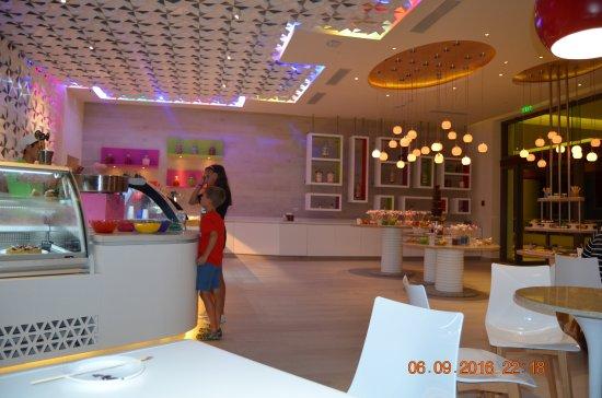 Hyatt Ziva Cancun Candy