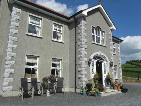 Ballybay, Irlanda: Pretty front