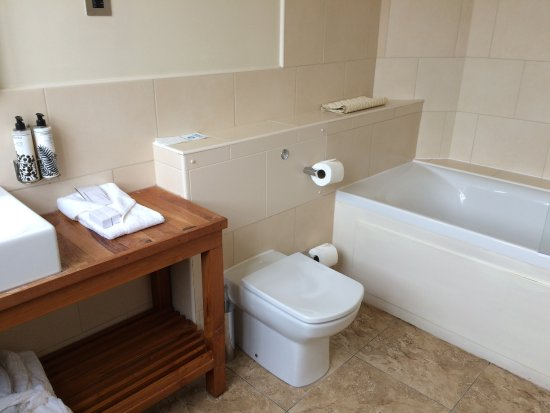 Hotel maiyango updated 2018 prices reviews leicester for G bathrooms leicester