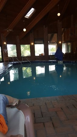LaGrange, GA: Indoor heated pool you can see the workout room& there is a sauna I think. The bathroom at the p