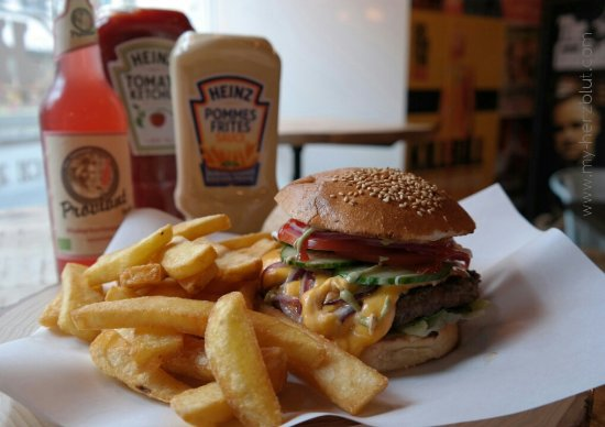 Burger In Stuttgart b burger mit fritten picture of b beef burger