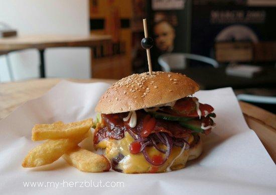 Burger In Stuttgart bbq burger picture of b beef burger brothers stuttgart