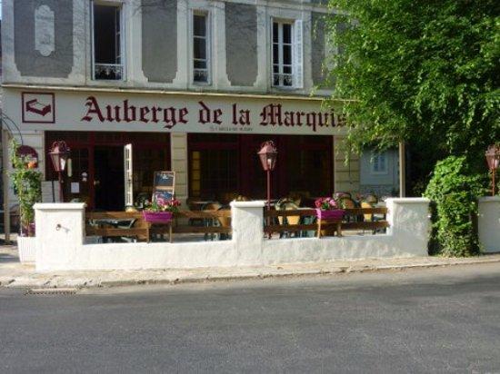 Arnac-Pompadour, Frankrike: terrasse