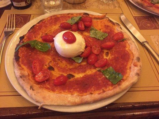 Trattoria Le Antiche Carrozze : Pizza Pugliese!Ottima