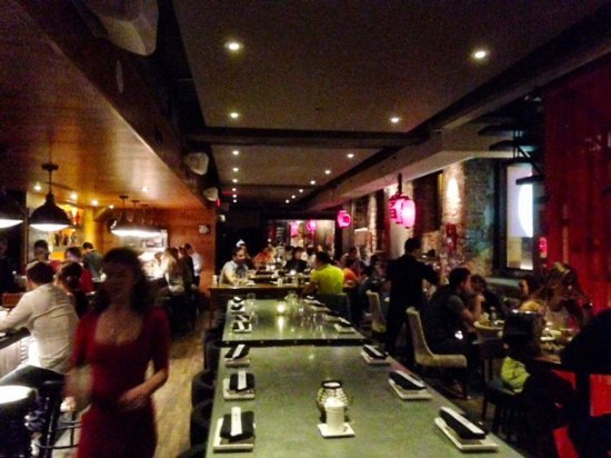 Nice atmosphere picture of kyo bar japonais montreal for Aix cuisine du terroir montreal