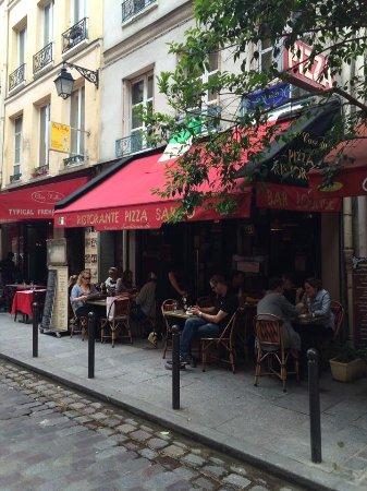 Pizza Sarno: Outside the restaurant