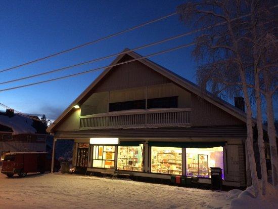 Kolari, Finland: Tervetuloa käymään perinteisessä kyläkaupassa!